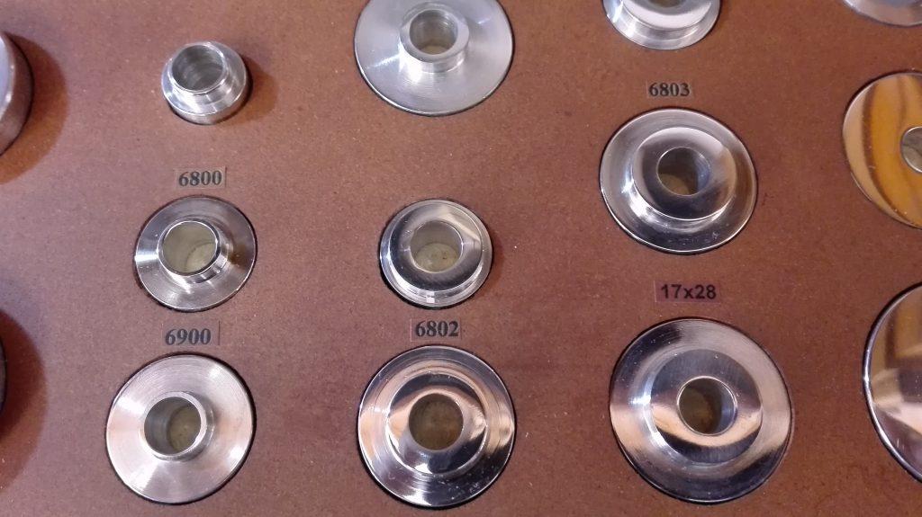 Detalle del maletín del Kit Completo Extracción y montaje de COMENÇAL SUPREME V-3, GIANT ANTHEM y ORBEA RALLÓN